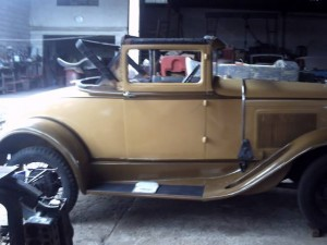 Ford-1930-Sport-Coupe-04
