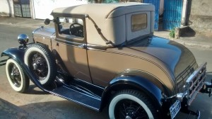 Ford 1930 Sport Coupe