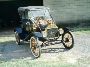 Ford-1910-Modelo-T-Preto-03