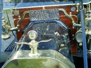 Ford-1910-Modelo-T-Preto-09