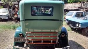 Ford-1928-Tudor-Aqua-04