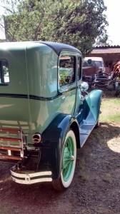 Ford-1928-Tudor-Aqua-15