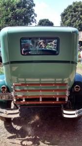 Ford-1928-Tudor-Aqua-22