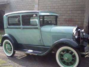 Ford-1928-Tudor-Aqua-28