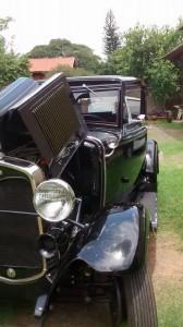 Ford-1931-Victoria-Preto-98